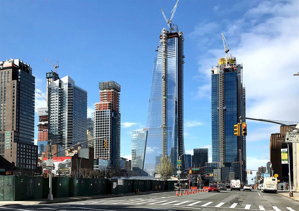PHOTOS See NYC\u0027s highest outdoor observation deck make its way up