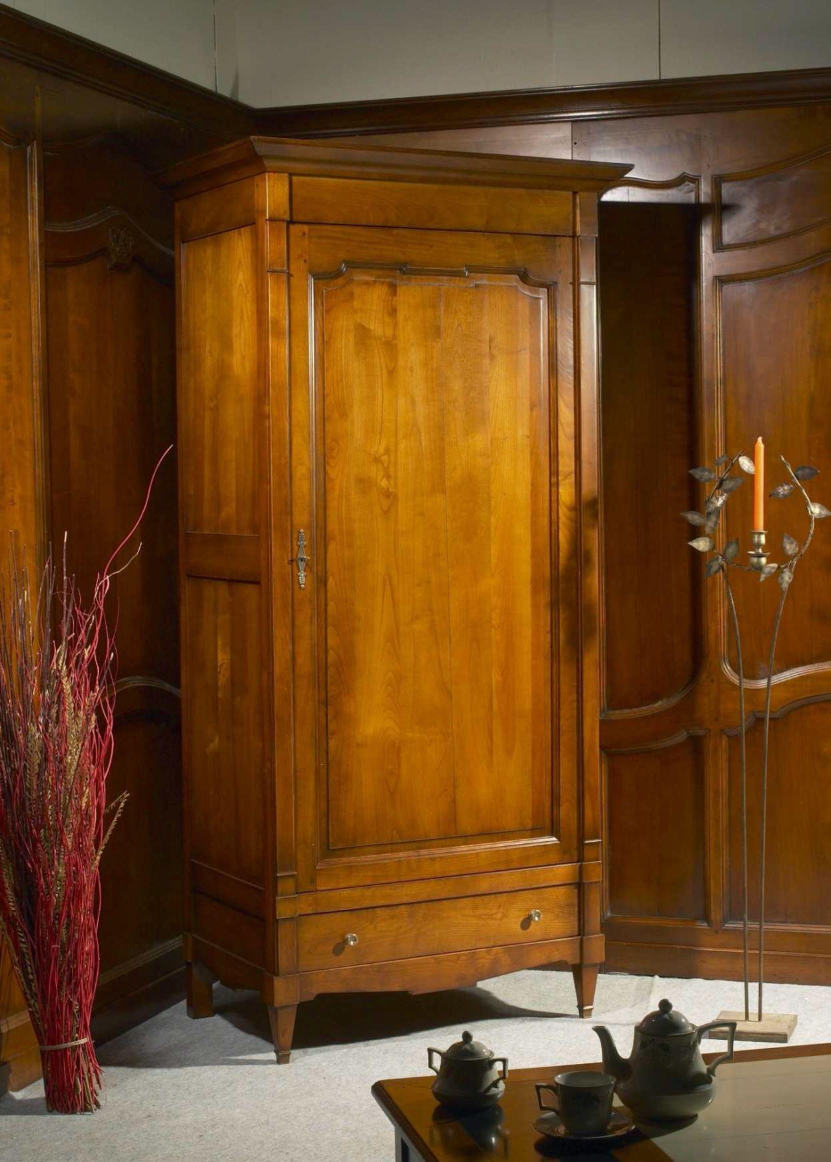 Une bonneti re est une armoire une porte et une tag re mi hauteur aussi appel e coiffi re - Hauteur d une porte ...