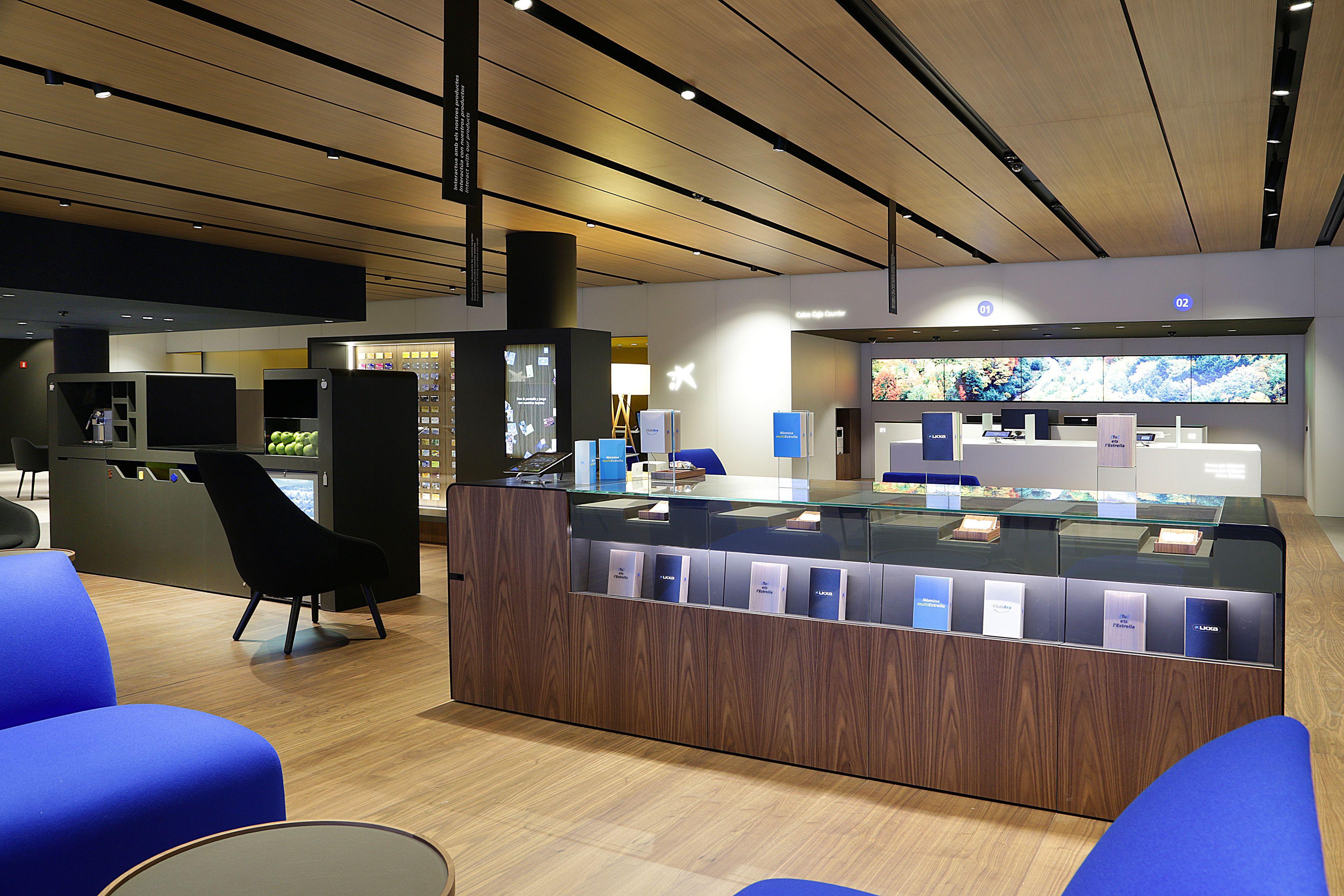 Pin de caixabank en oficina a conference room room y for Caixa de catalunya oficinas