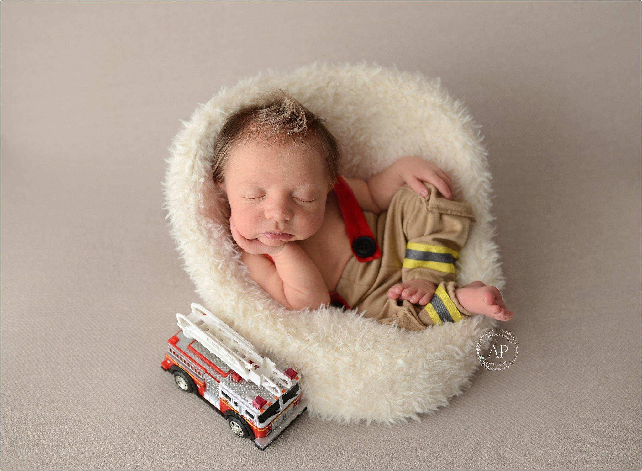 newborn poses, baby boy pose, fireman baby, posing pod chair ...