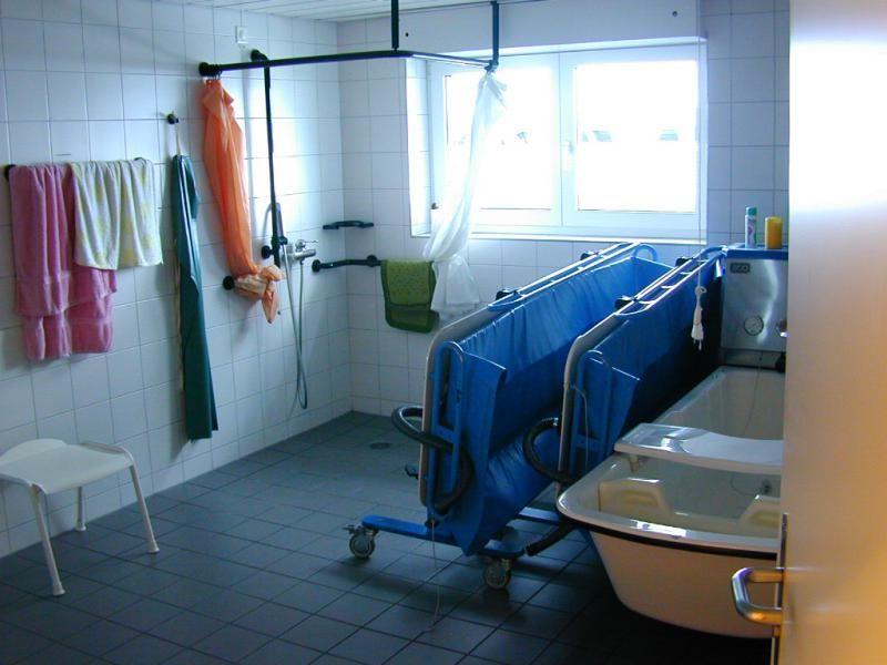 Spiegelschacht Keller spiegelschacht im bad in einem pfelgeheim heliobus