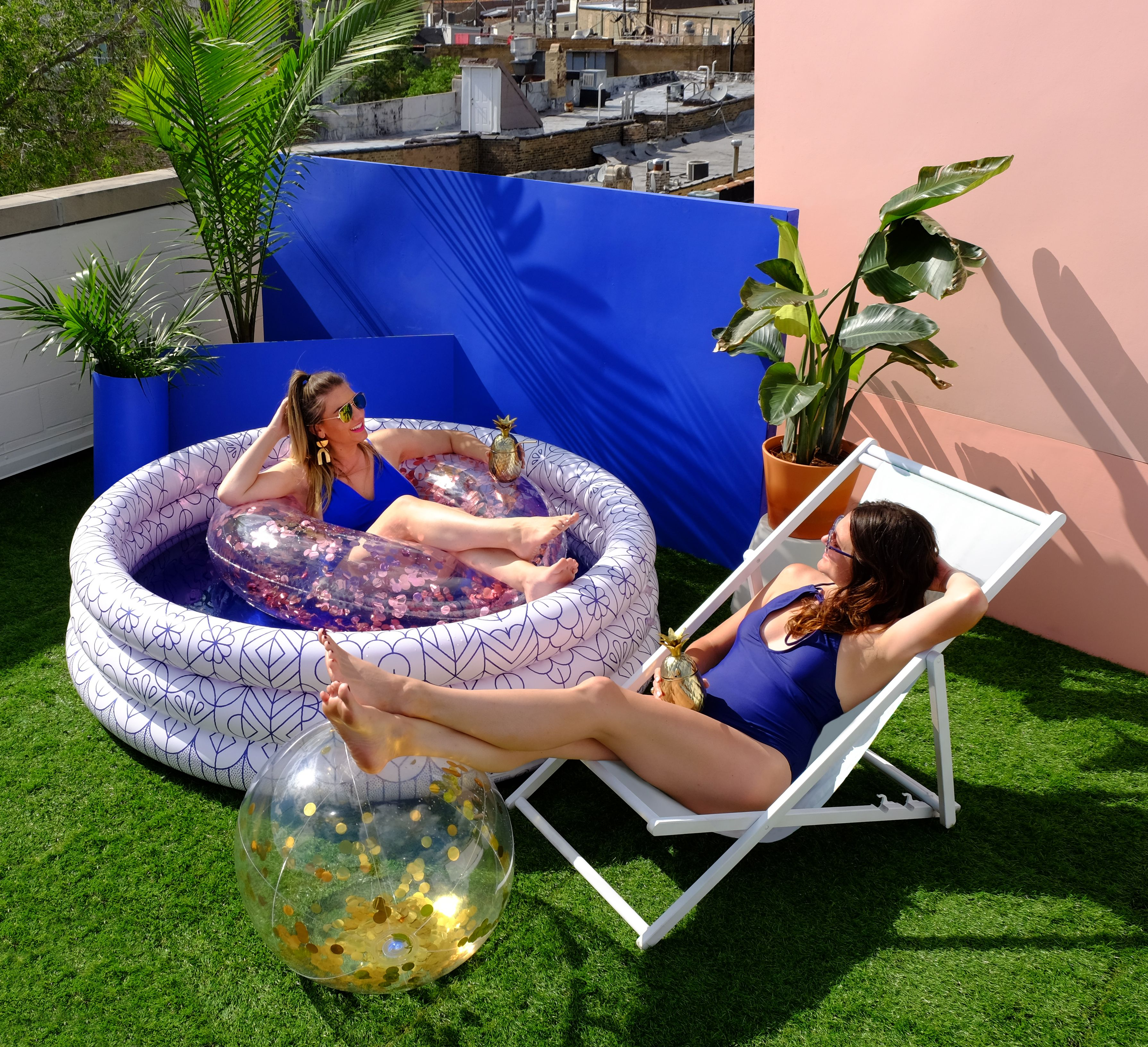 Minnidip The First Designer Inflatable Pool Blue And White Modern Inflatable Pool Cool Pool Cute Inflatable Pool Inflatable Pool Blow Up Pool Kiddie Pool