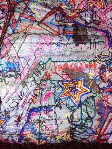 Mi chamarra de graffiti llena de color por james long