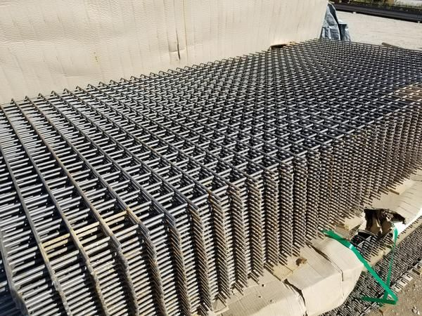 144 00 Each 4 X 8 X 1 4 Inch Wire With 2 Outside Sq Holes These Do Have Rust On Them Only 7 Left In Stock Wire Mesh Gabion Wall Concrete Saw