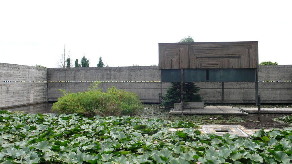 Tomba Brion Cemetery. San Vito d'Altivole, Italy. 1969-78. Carlo Scarpa. Photo Evan Chakroff