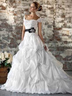 BallGown Off-the-shoulder Organza Sweep Train White Pick-Ups Wedding Dresses