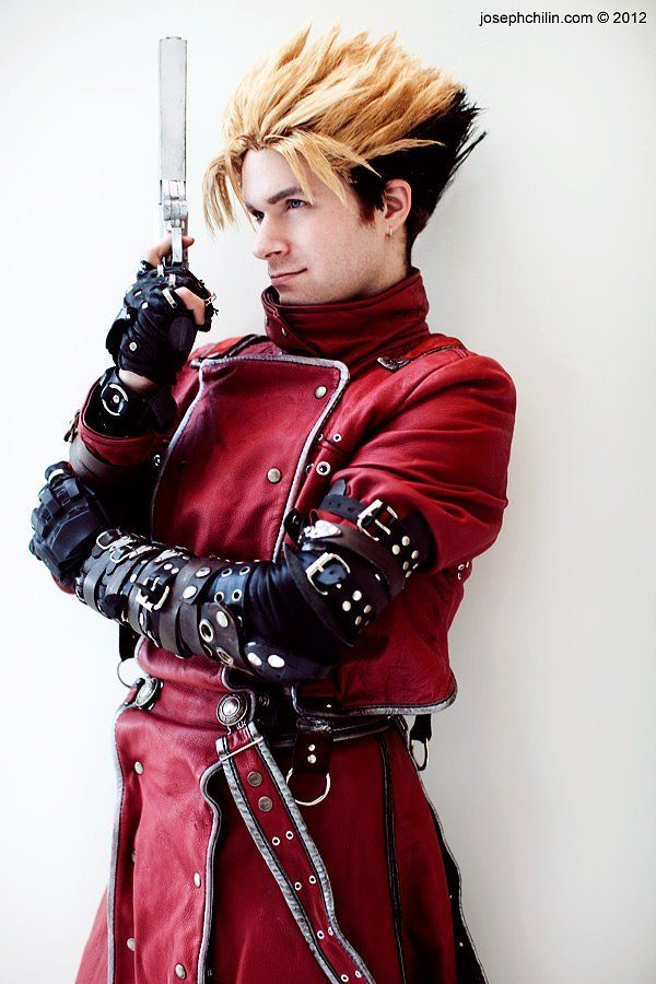 Vash Cosplay Not Only That Costume Is Amazing But Hes Hot As