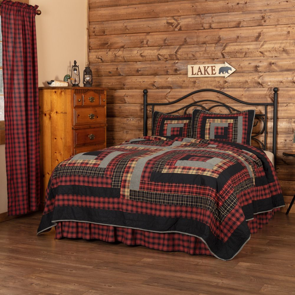 Country farmhouse quilt set with large log cabin blocks