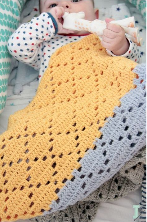 Learn how to crochet the diamond eyelet stitch (video & written ...