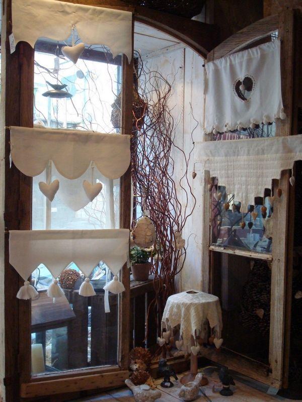 brises bise photo de entrez c 39 est ouvert charme d 39 antan curtains pinterest valance. Black Bedroom Furniture Sets. Home Design Ideas