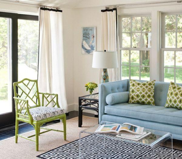 weiße gardinen und hellfarbige möbel im wohnzimmer - Wie ein - gardinen ideen wohnzimmer