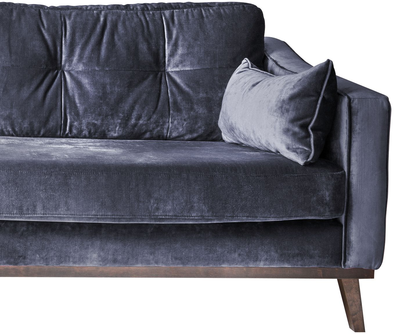 Machen Sie Ihr Wohnzimmer mit dem dunkelblauen Sofa Almana in Samt-Optik zur Wohlfühloase. Entdecken Sie weitere hübsche Möbel auf >> WestwingNow.