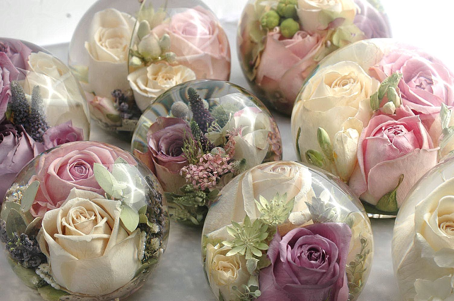 wedding flower preservation do this with flowers and resin for favours and 9515