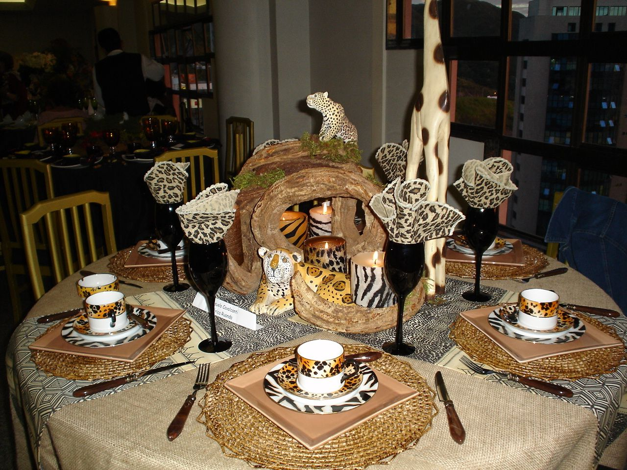 African table by Atelier Consuelo Cavalcanti Party Ideas