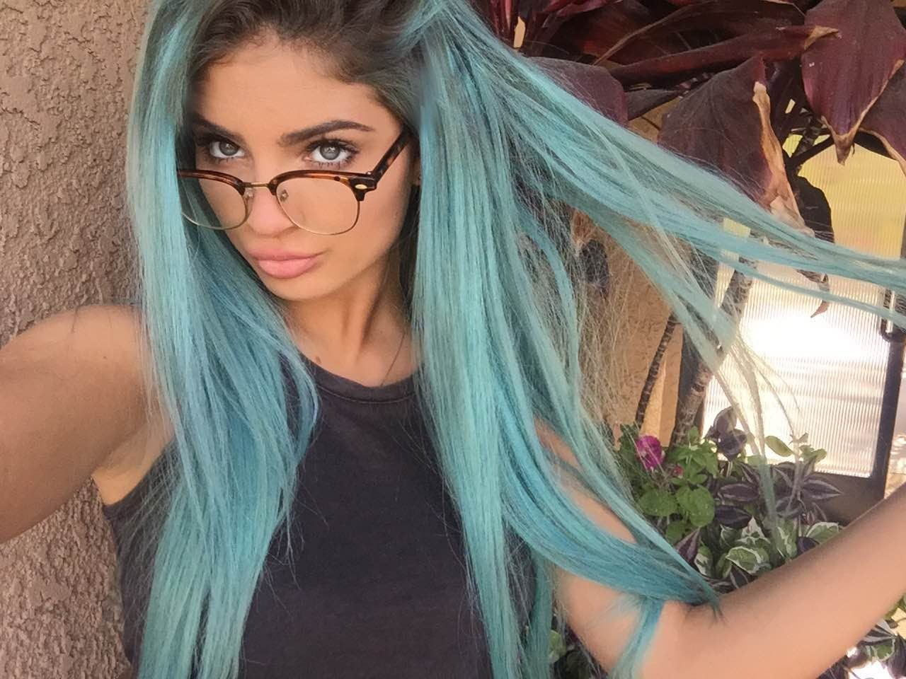 369b3b88526 HOW TO DYE YOUR HAIR BLUE ♡ - YouTube