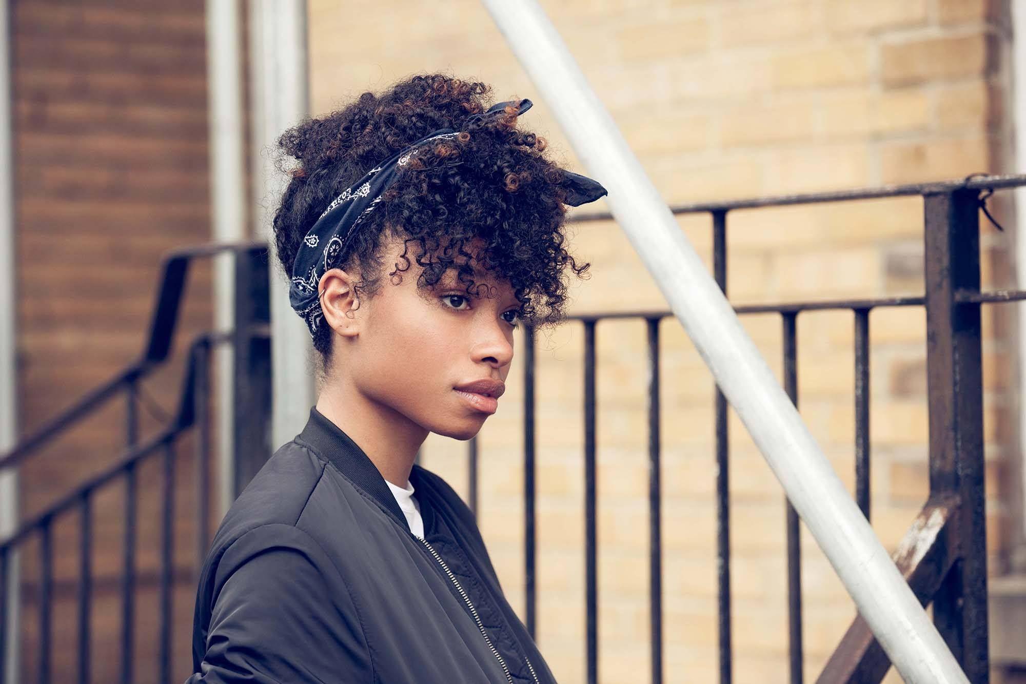 Turban Headband Curly Hair Short Curly Hair Layeredcurlyhair Turban Headband Hairstyles Scarf Hairstyles Headband Hairstyles