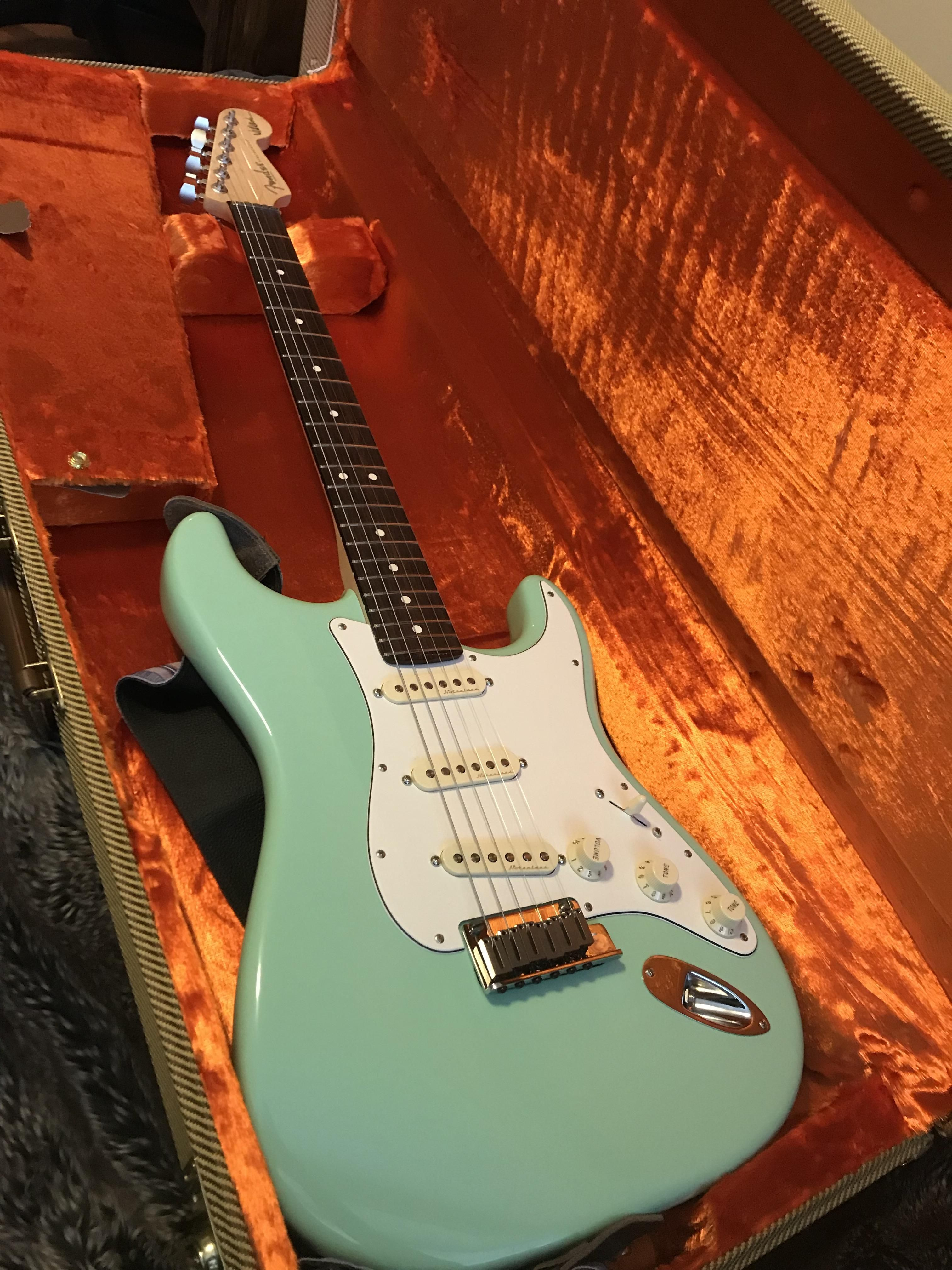 Ngd Jeff Beck Artist Series Strat In Surf Green Loving The Noiseless Pickups Jeff Beck Surfing Green