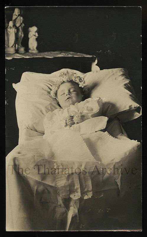 Poignant 1910 Post Mortem Photo