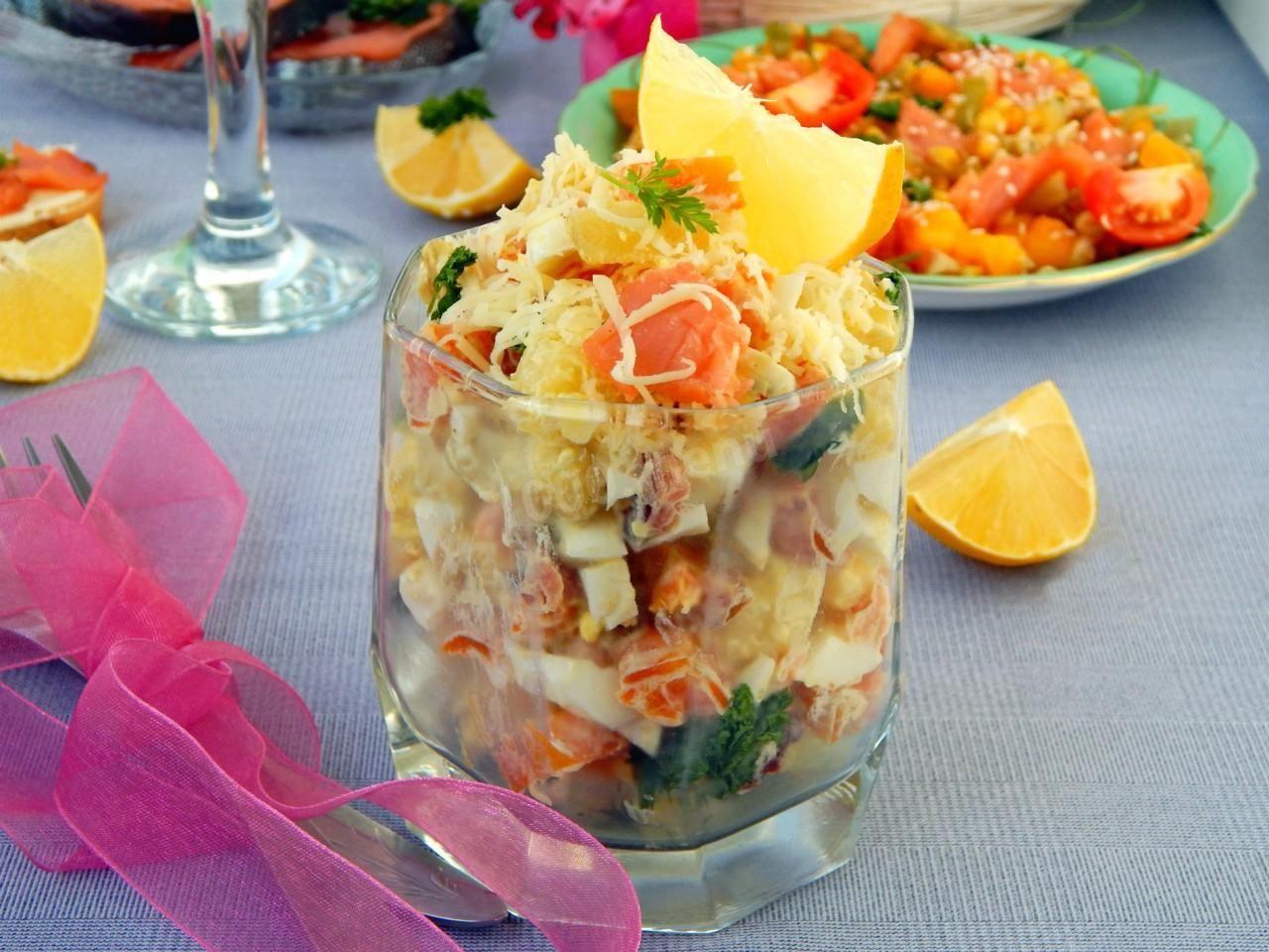 того, обычные салаты из форели слабосоленой рецепты с фото глаз