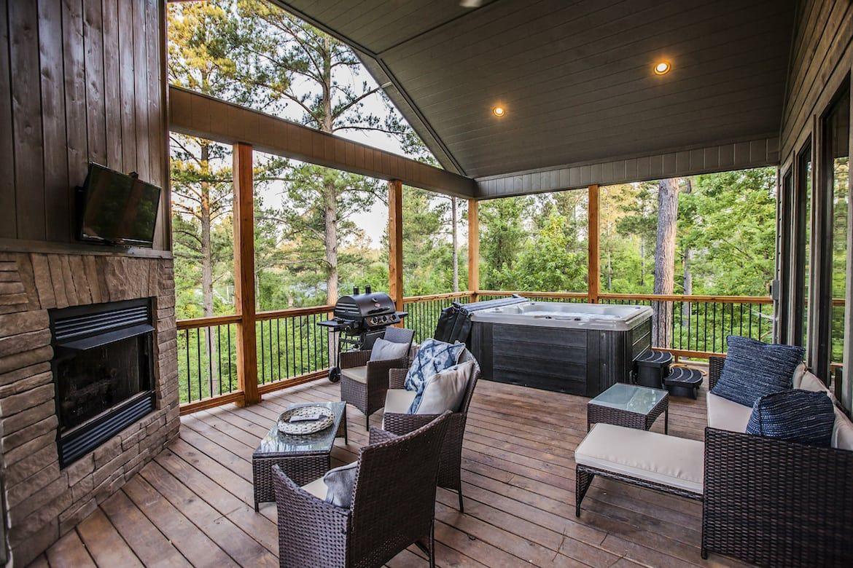 Nevaeh Hill Cabin In Broken Bow Ok Sleeps 2 Cabin Honeymoon Cabin Outdoor Decor