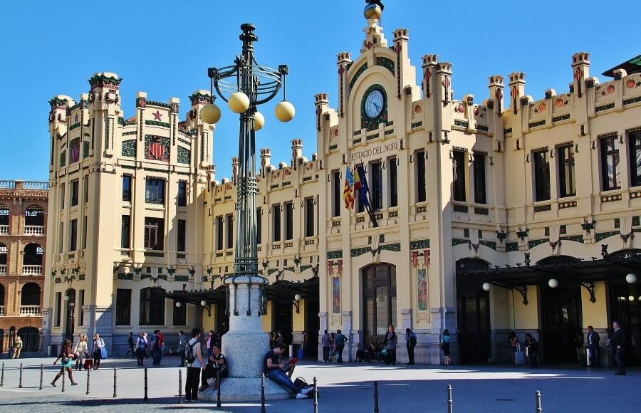 La estaci n del norte de valencia es un buen ejemplo del - Centro historico de madrid ...