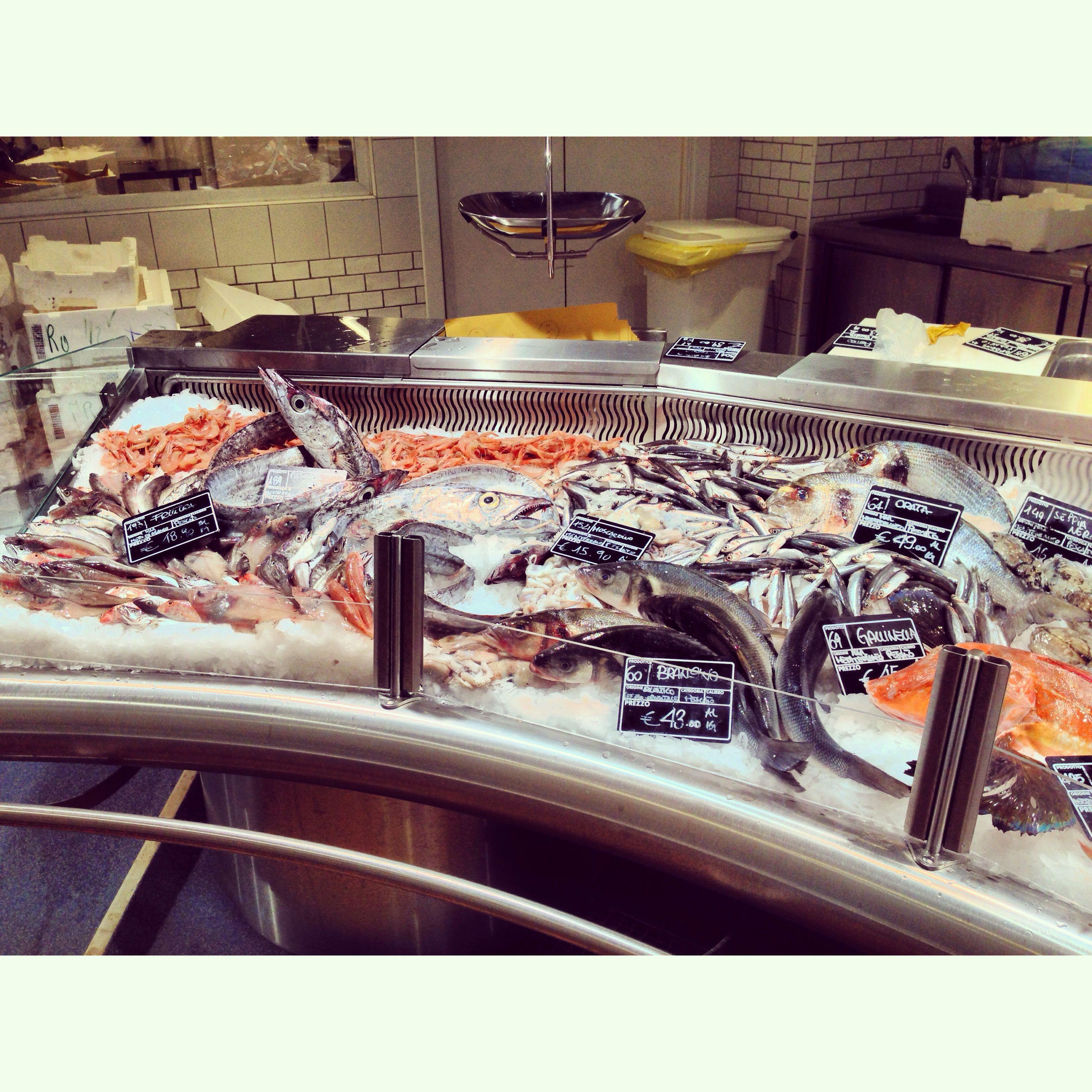 Pescheria #pescheria #eataly #banco #allestimento #pesce #fish ...