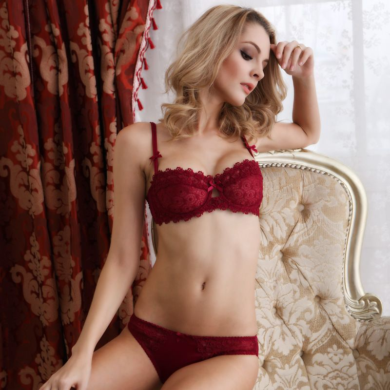 1a43f4af01 Sexy T-pants Romantic Temptation Lace Bra Set Young Women Underwear Set
