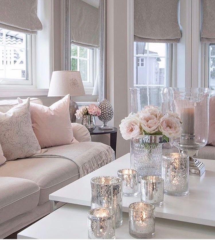 キャンドル ピンク 淡い 薔薇 豪邸 落ち着いてる / 柔らかい雰囲気 優しい光 こだわりの空間