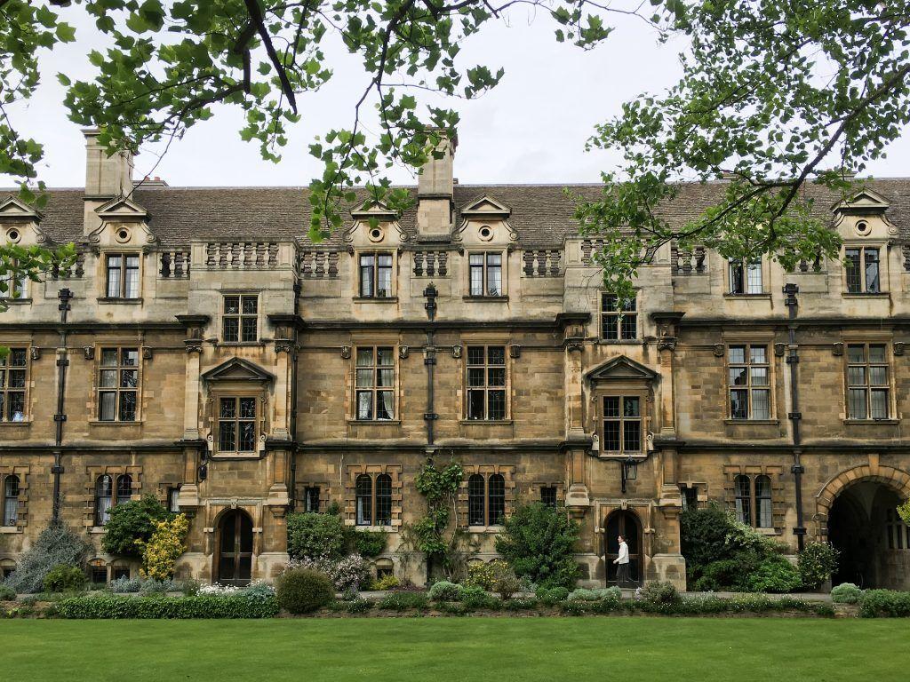 The Best English University Town: Oxford vs Cambridge | travel ...