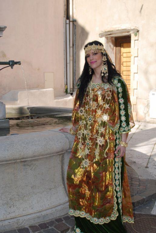 encore une belle femme berbère amazight