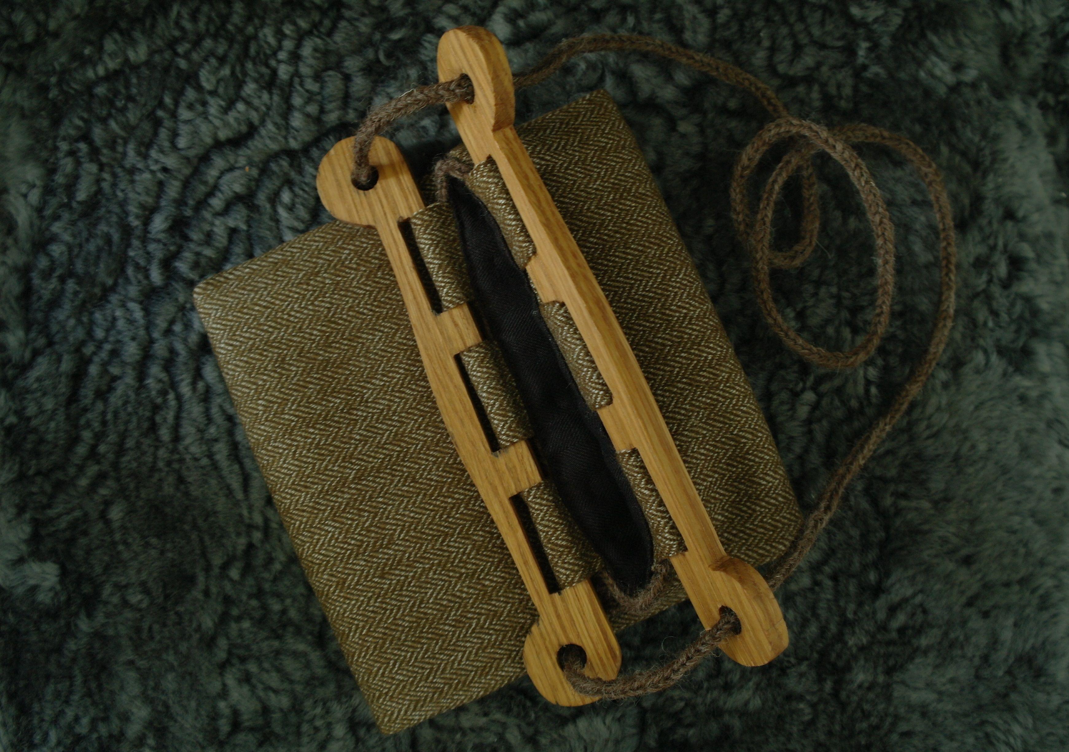 Viking Hedeby Bag | viking bags | Vêtements viking, Robe