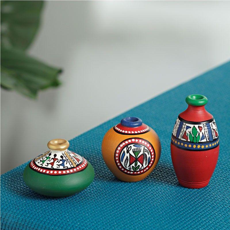 handmade clay pot designs Handmade Pot Design - Warli  Pottery painting, Vase crafts