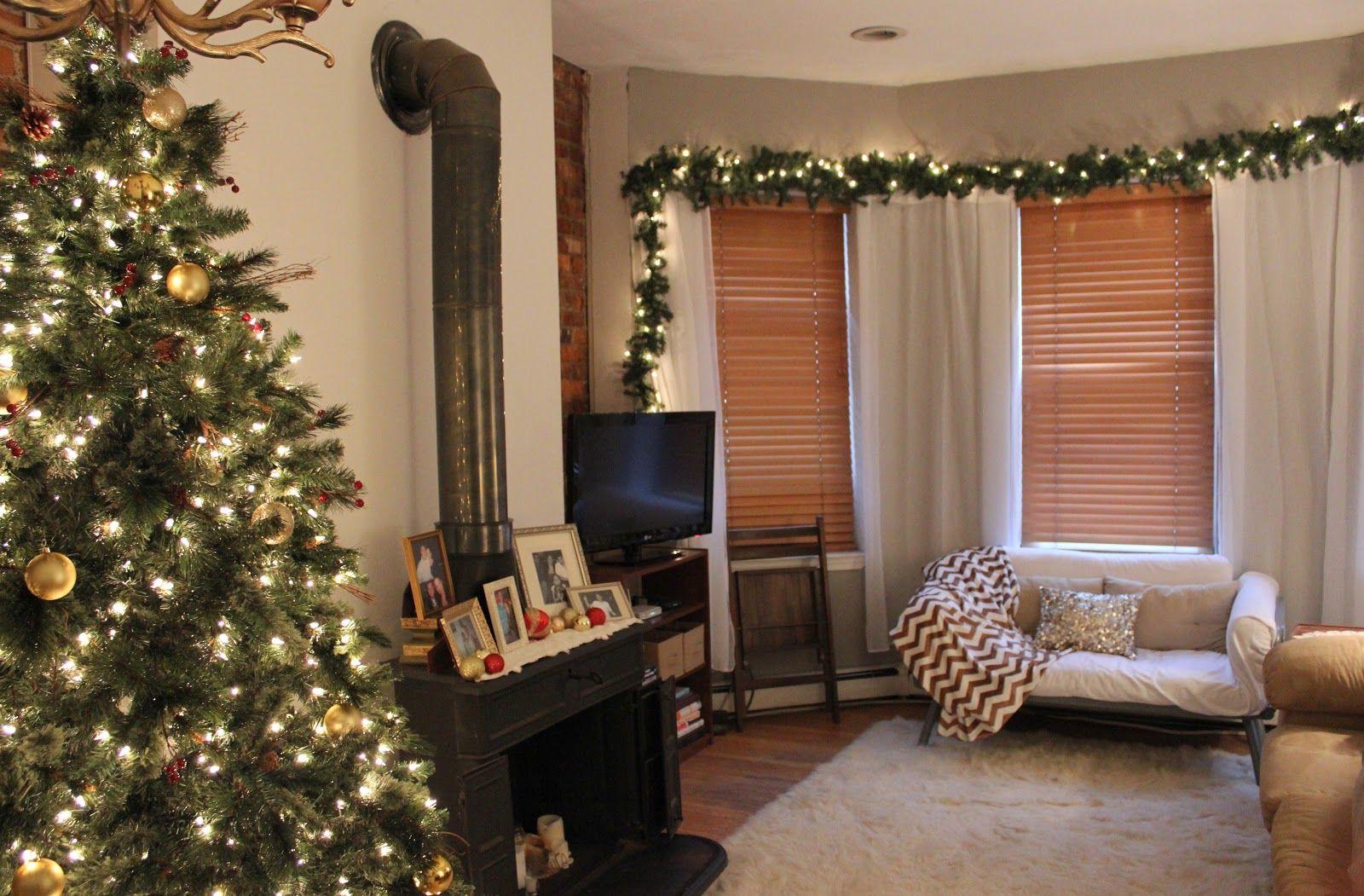 apartment holiday decor | Christmas apartment, Christmas ...