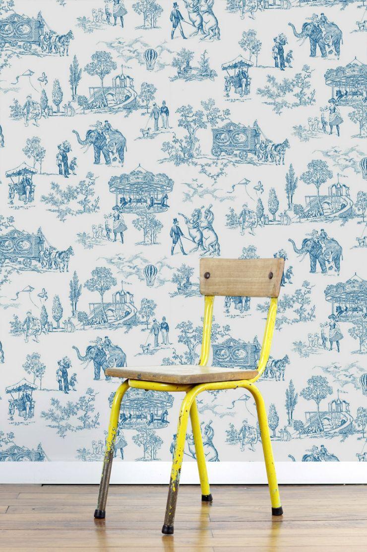 Papier peint toile de jouy bleue cirque papierpeintt for Toile chambre enfant