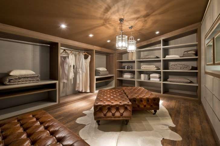 homify / Renata Mueller Arquitetura de Interiores: Vestidores de ...