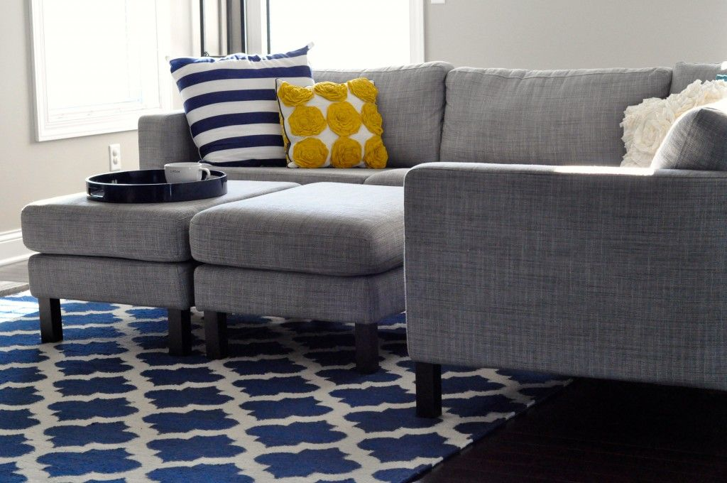 Gray And Navy Living Room That S What I Ll Do Been Wondering Color To Pair With My Grey Couches