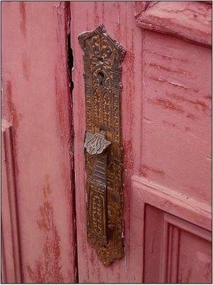 pink door ✿❁✽ Sol Holme ✾✽❃  ❤️.•°¤*(¯`★´¯)*¤° .•°¤*(¯`★´¯)*¤°❤️