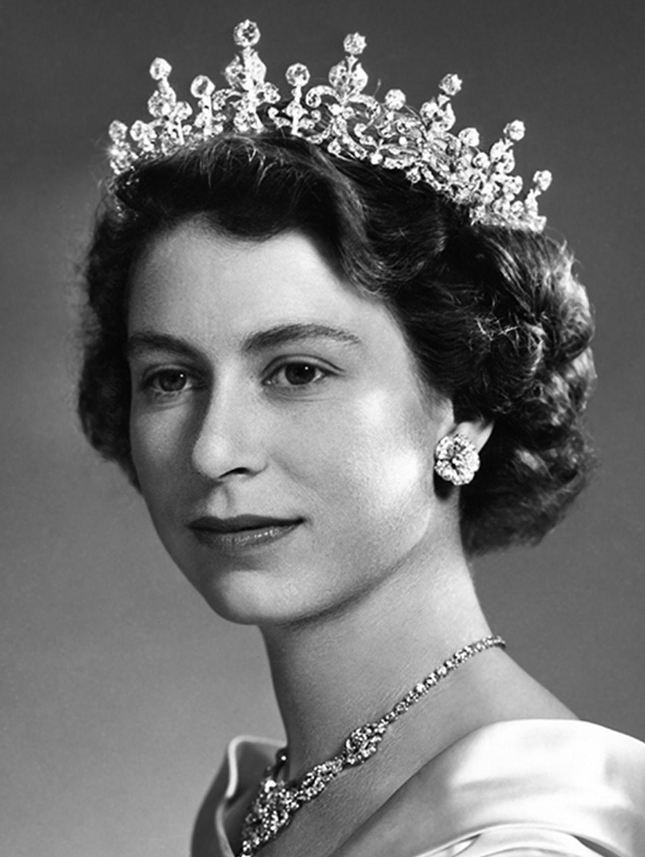 young queen elizabeth ii Google Search Young queen