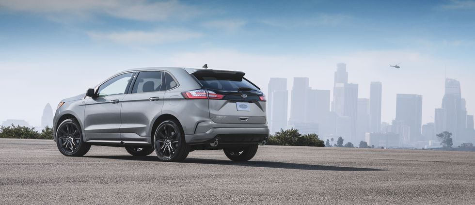 2020 Ford Edge STLine Is for Those Who Value Looks over