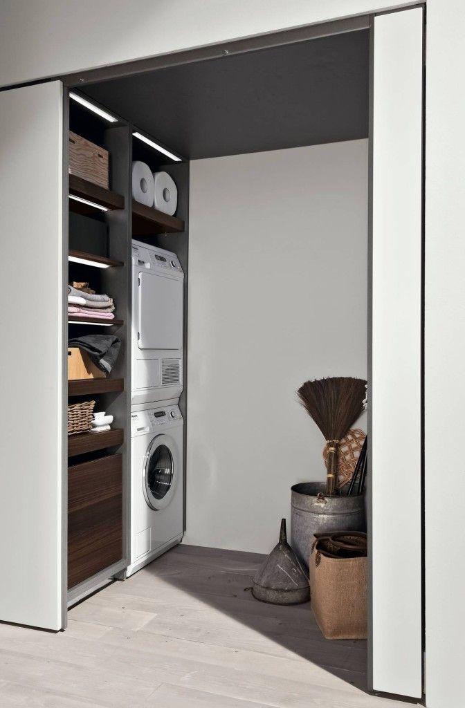 ROSSANA Il vano lavanderia con porta a scomparsa