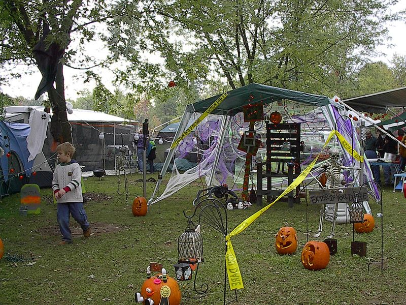 an rvers guide to spooky halloween fun at your campsite - Decoration For Halloween Ideas