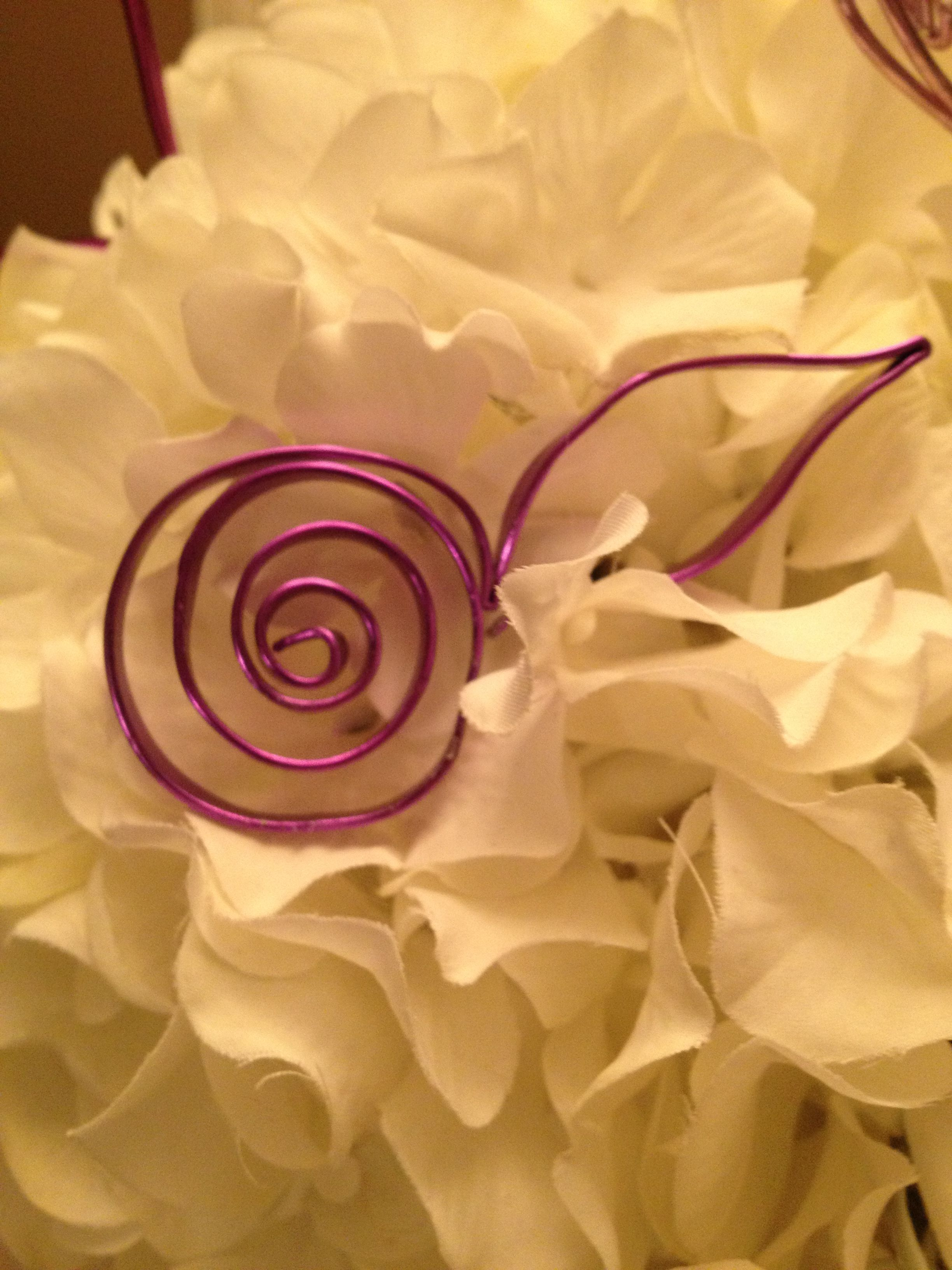 Wire Rose with a leaf poke into a floral arrangement OR use in a bud ...
