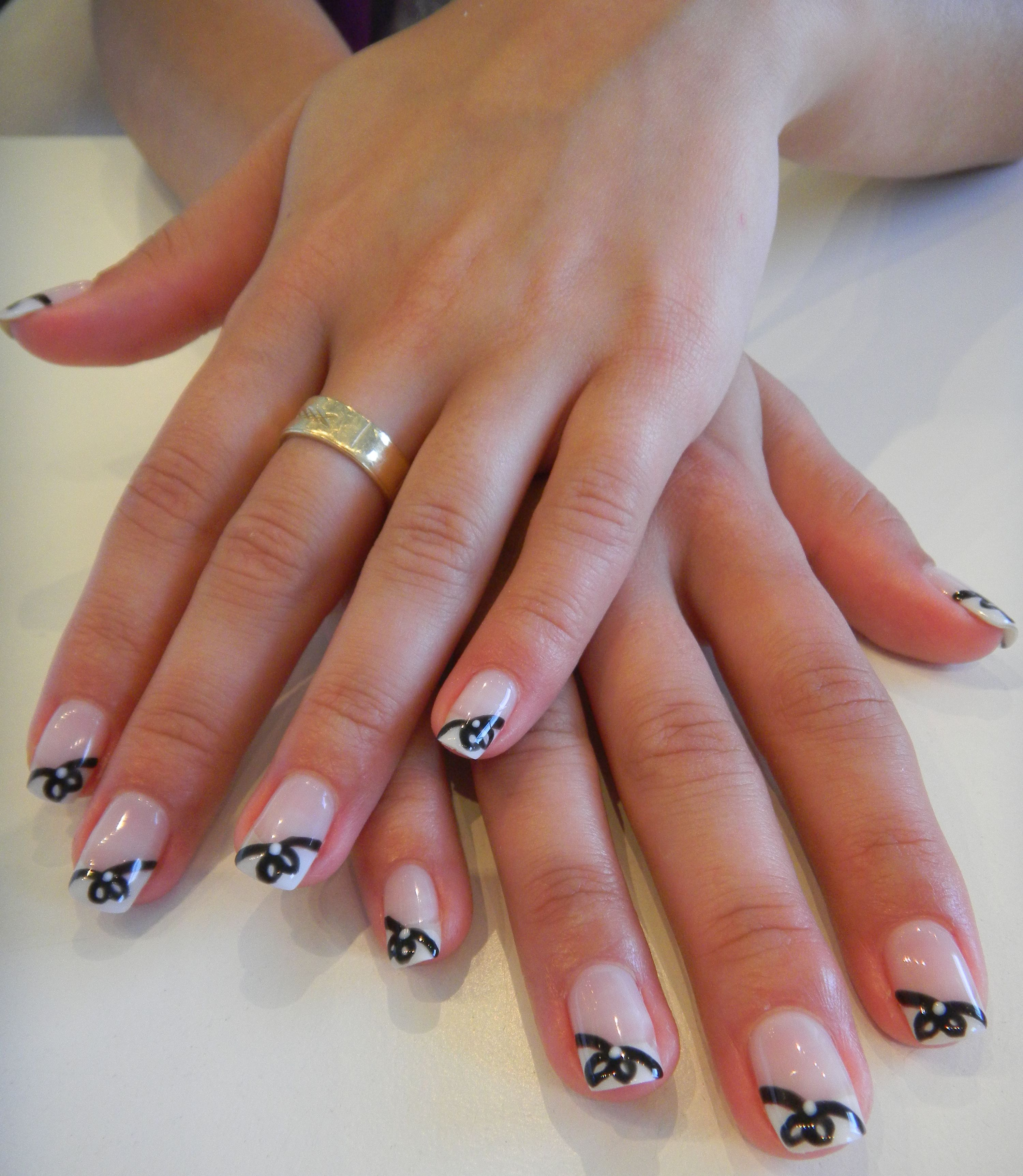 Nails can also be wrapped up in a pretty little package =) Seen here ...