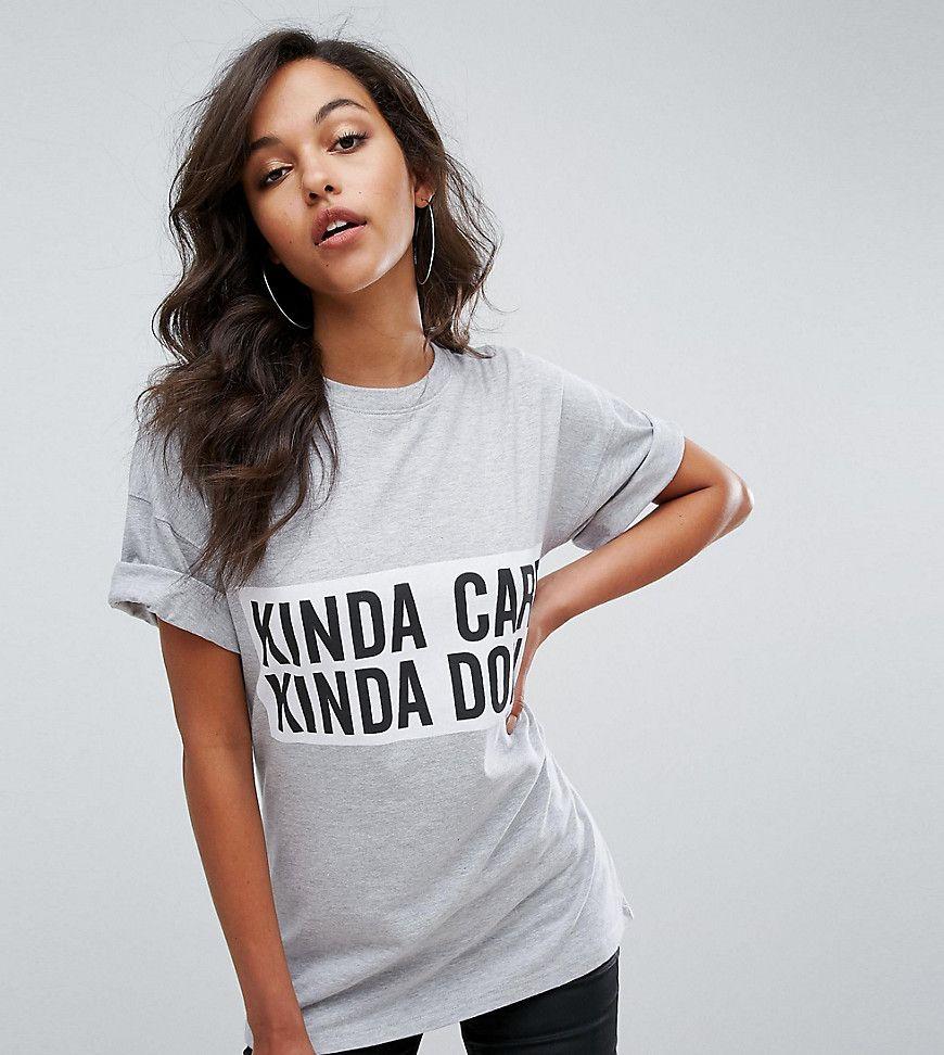¡Consigue este tipo de vestido informal de Missguided ahora! Haz clic para  ver los detalles. Envíos gratis a toda España. Camiseta Kinda Care Kinda  Don't de ...