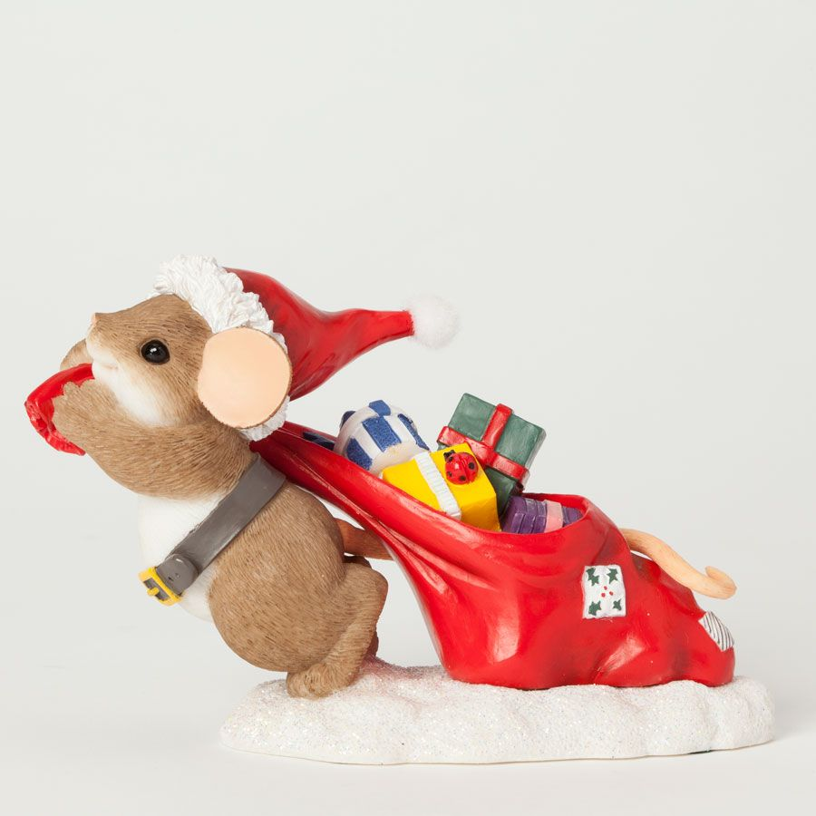 "Charming Tails ""Using All My Pull to Bring You A Merry Christmas"" Figurine"