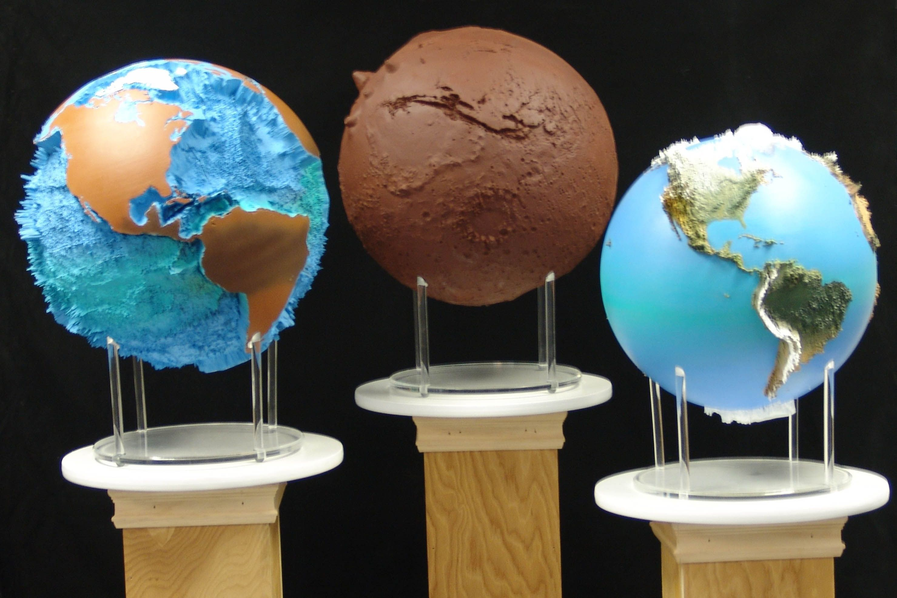 Spectrum 3d unveils mars and earth extreme raised relief globes at spectrum 3d unveils mars and earth extreme raised relief globes at international map trade association conference mars globe 20x first of its kind based on gumiabroncs Image collections