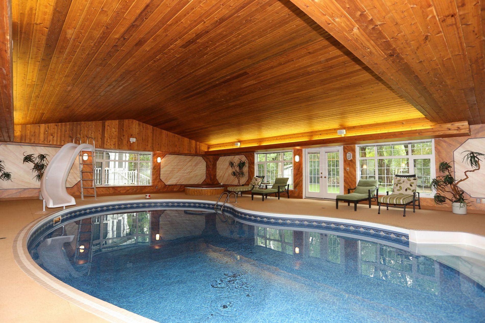 Indoor Pool In Tuxedo Winnipeg Real Estate Winnipeg Realtor The