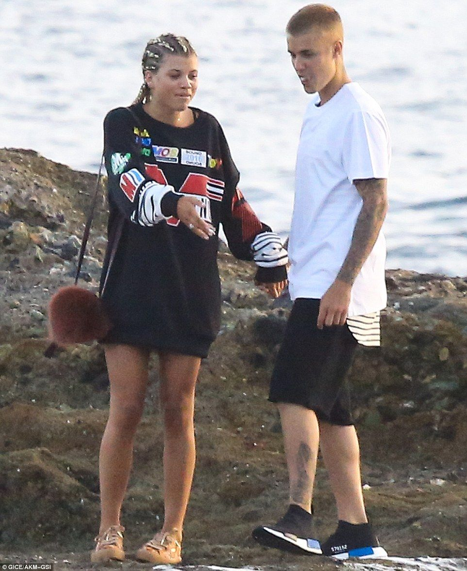 Images Justin Bieber Sofia Richie nude (99 photos), Topless