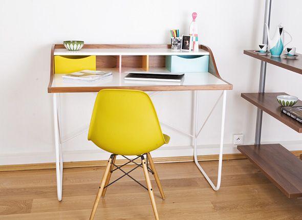 pin von bettina be auf living schreibtisch tisch und buero. Black Bedroom Furniture Sets. Home Design Ideas