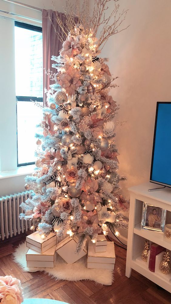 Top 30 Amazing Christmas Tree Designs You Can't Miss Out 2018; Rose gold  and bush pink flocked Christmas tree; Blue and white Christmas Tree; White  Flocked ... - Top 30 Amazing Christmas Tree Designs You Can't Miss Out 2018 DIY